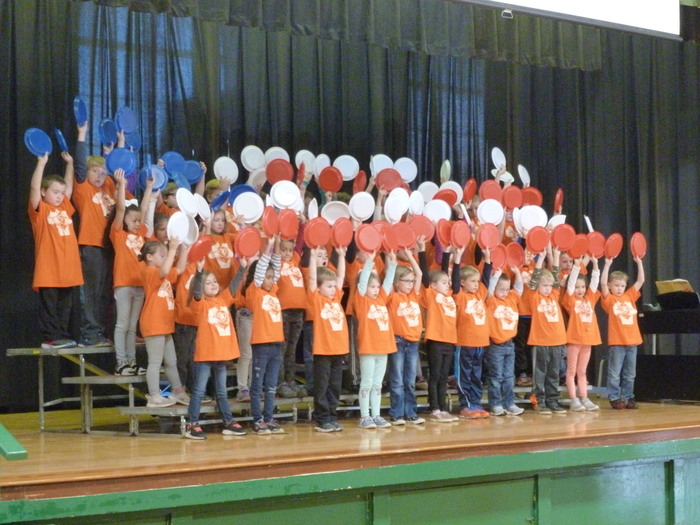 "1st Grade singing ""America the Beautiful"""